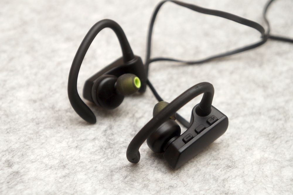 in-ear-wireless-sports-headphone-soundpeats-q9a-review-00014